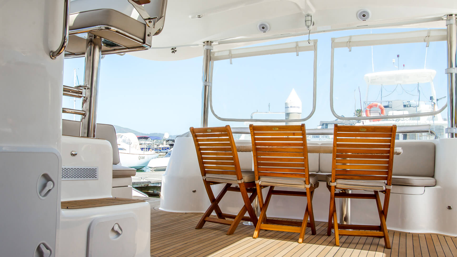 Seats on a knysna 500 yacht