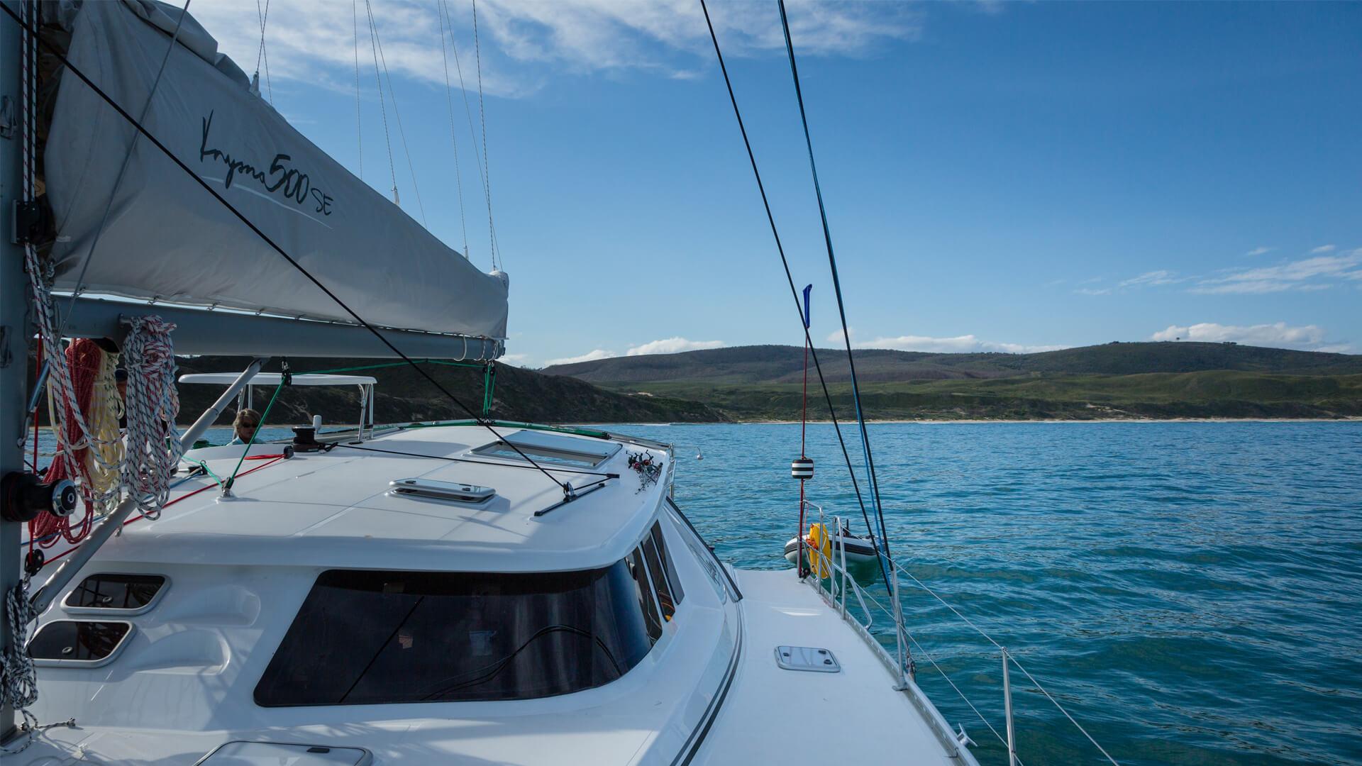 knysna 500SE on the water